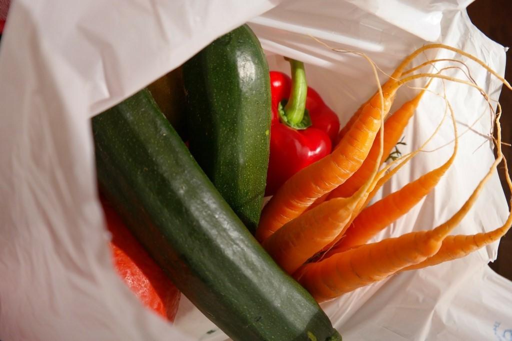 sacola plástica para verduras e legumes